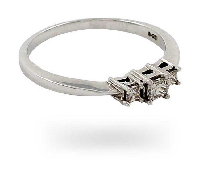 9k W/gold 0.25ct 3 Stone Diamond Ring JM4219