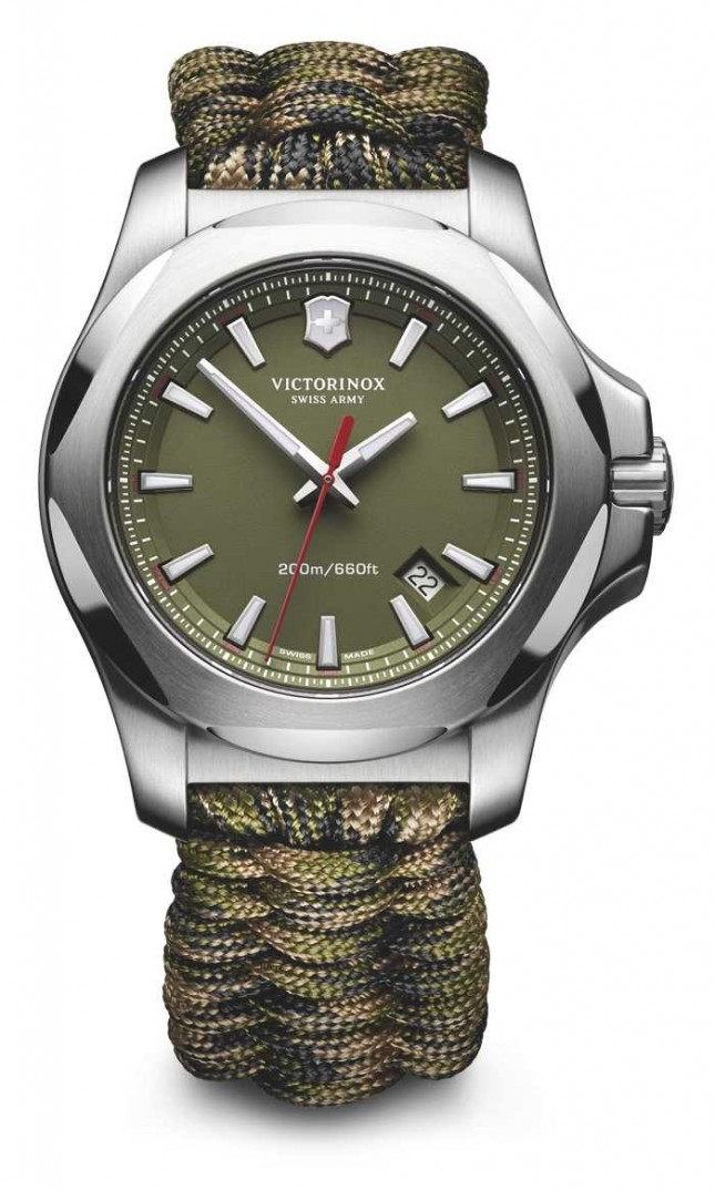 Victorinox Swiss Army Mens I.N.O.X. Naimakka Bracelet, Camo Watch 241727