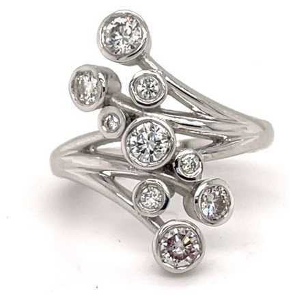 18ct White Gold 9 Diamond Stone Ring J31005