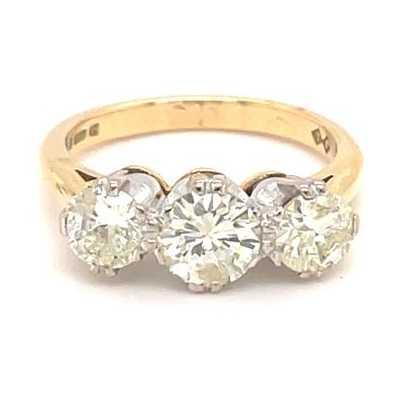 18k Yellow Gold 1.75ct Diamond 3 Stone Ring J3088